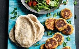 Photo: harissa falafel burgers