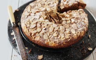 Photo: Almond & Cinnamon Cake