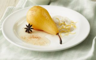 Photo: Poached pears with spiced cream